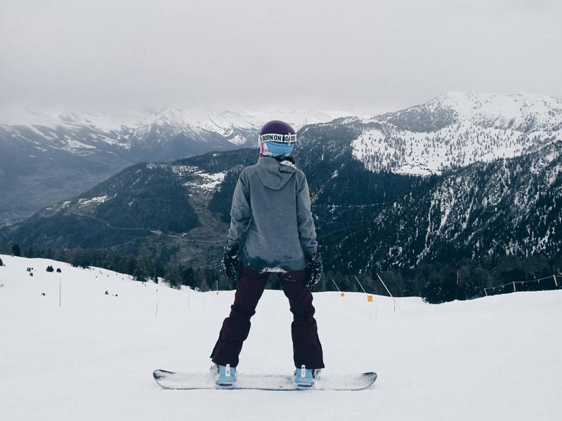 Snowboard w Verbier w Alpach Szwajcarskich