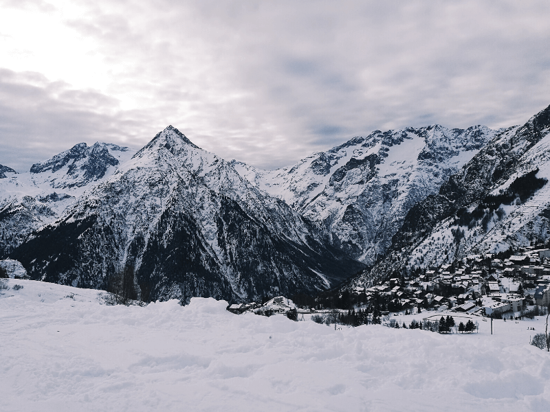 Les Deux Alpes widok na góry i wioskę